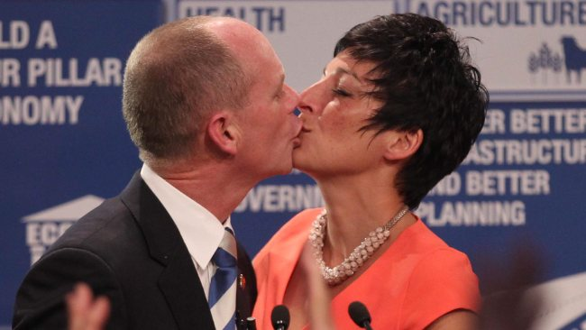 395263-campbell-newman-lisa-newman-election-night-kiss